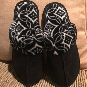 New Vera Bradley Cozy Slippers